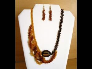 asymmetrisches Wellen Schmuckset mit Tigerauge und Rocailles; Collier+Ohrringe; braun-gold - Handarbeit kaufen