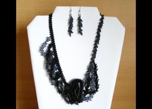 asymmetrisches Wellen Schmuckset mit Turmalin und Rocailles; Collier+Ohrringe; schwarz-grau - Handarbeit kaufen
