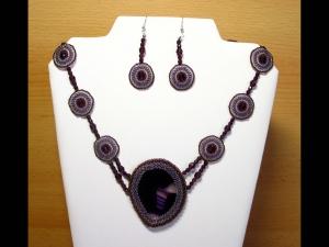 Achatset mit Rocailles und Glasschliffperlen; Collier+Ohrringe; lila - Handarbeit kaufen