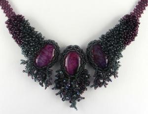 Schmuckset in Moosoptik mit Drachenachat; Collier + Ohrringe; grau-dunkelrosa - Handarbeit kaufen