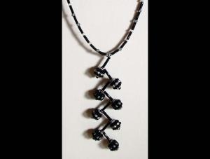 Y-Kette mit beaded beads aus Rocailles + Stiftperlen; grau-weiß-schwarz - Handarbeit kaufen