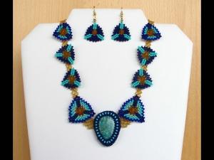 Schmuckset mit Amazonit und Peyote-Dreiecken; Collier+Ohrringe; türkis-blau-gold - Handarbeit kaufen
