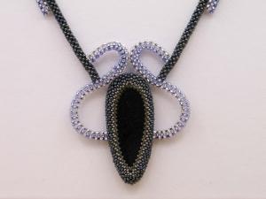 Collier Cubic RAW mit Sonnenstein; anthrazit-blau-silber - Handarbeit kaufen