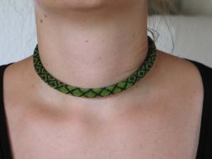 Häkelkette Karos groß aus Rocailles - grün