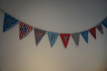 Geburtstagsgirlande - Happy Birthday - türkis/rot/grau - Wimpelkette - handgenäht - Handarbeit kaufen
