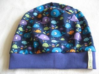 Beanie-Mütze 'Bunte Wale' aus Baumwoll-Jersey - handgenäht in Wunschgröße - Handarbeit kaufen
