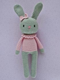 Häkeltier Häkelhase Hasenmädchen Maja hellgrau/rosa aus Baumwolle Handarbeit