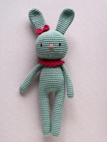 Häkeltier Häkelhase Hasenmädchen Maja grau/pink aus Baumwolle Handarbeit