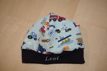 Babymütze aus Jersey Baufahrzeuge mit Namen
