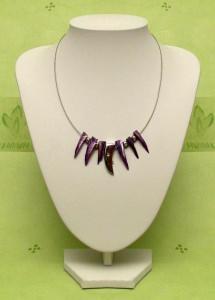 Collier mi violetten Perlmuttzapfen