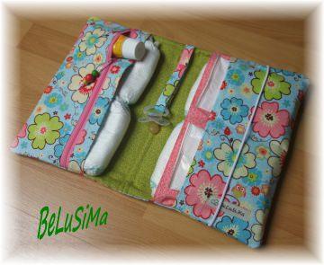 Windeltäschchen mit Eulchen- und Blumenmotiv, hellblau-grün, Handarbeit ♥ von Belusima, Geschenk zur Geburt