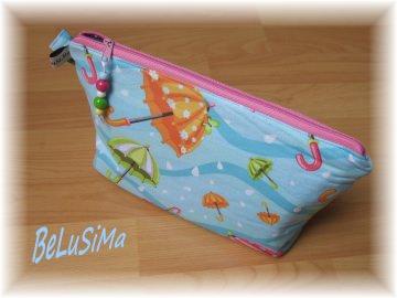 Kleine Kosmetiktasche ♥ I love rainy days ♥ Regenschirme bunt, Handarbeit mit ♥ von Belusima