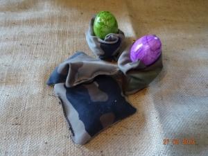 Handgemachter Eierwärmer / Sitzsack Camouflage  - Handarbeit kaufen