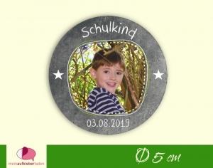 Aufkleber zur Einschulung - rund: Schulkind - Sternchen - mit Foto personalisierbar | Tafeloptik, umweltfreundlich  - Handarbeit kaufen