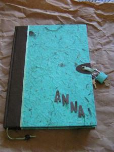 Tagebuch mit Schloss in Naturpapier Mint und personalisiert