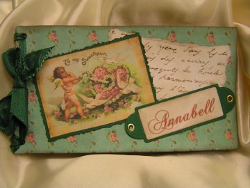 Ein Gutscheinbuch gefüllt mit 10 Blanko-Gutscheinen Valentine grün