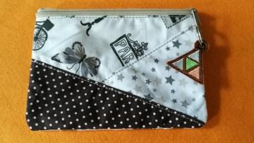 Täschchen aus Stoff mit Reißverschluss für all die kleinen Dinge  - Handarbeit kaufen