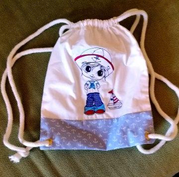 kleiner dekorativer Kinderturnbeutel aus Baumwolle mit Seemann