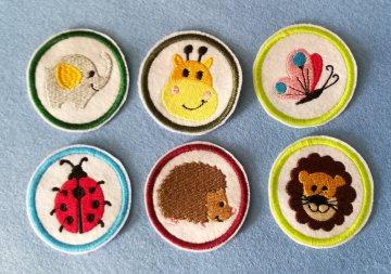Stickapplikation, Buttons zum Aufbügeln - sie verschönern alles und sie sind ein lustiges kleines Geschenk für jeden Anlass
