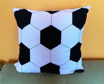 Kissen für Fußballfans, dekoratives Geschenk für Fußballfans - Handarbeit kaufen