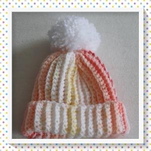 Kleine Mütze für das neugeborene Baby in orange-gelb-rot mit Bommel,gehäkelt im Rippenmuster,Größe ca. 50-62/68  - Handarbeit kaufen
