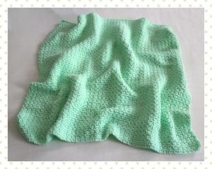 Babydecke zum Kuscheln mir gehäkeltem Muster in hellgrün, handgefertigt, Unikat, Schmusedecke zum verlieben - Handarbeit kaufen