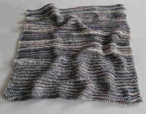 Babydecke zum Kuscheln mir gehäkeltem Muster in grau, handgefertigt, Unikat, Schmusedecke zum verlieben - Handarbeit kaufen
