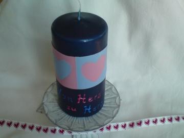 Dunkelblaue Kerze mit zwei Herzen - Handarbeit kaufen