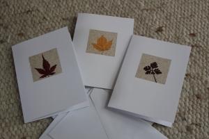 bunte herbstliche Grußkarten, Sandkarten mit Blättern, 3er Set - Handarbeit kaufen