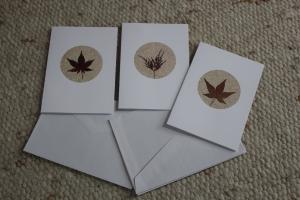 Herbstliche Karten in Rottönen, Sandkarten, schöne Blätter - Handarbeit kaufen