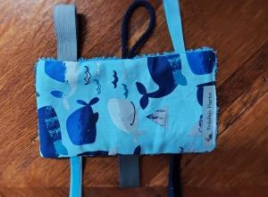 Knistertuch Fummeltuch Schmusetuch Babyspielzeug Wale blau - Handarbeit kaufen