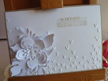 Geburtstagskarte / Glückwunschkarte in weiß mit Blüte *von IdeenOase*