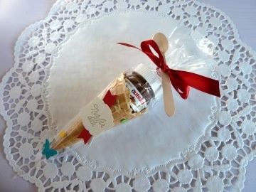 Gastgeschenk zur Einschulung in Cellophantüte/Eistüte mit Nussnougatcreme *von IdeenOase* - Handarbeit kaufen