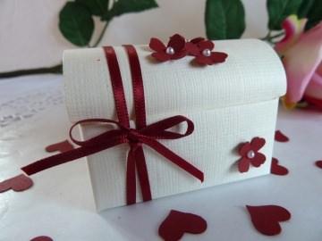 Truhe mit 5 Hochzeitsmandeln und Mandelspruch *von IdeenOase* - Handarbeit kaufen