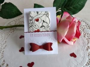 Freudentränen-Taschentuch mit Hülle für die Hochzeit *von IdeenOase* - Handarbeit kaufen