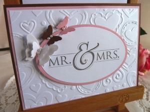 Hochzeitskarte mit geprägtem Hintergrund und Schmetterlingen - Handarbeit kaufen