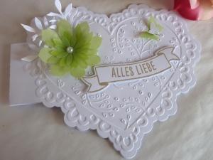 Karte zum Valentinstag/Valentinstagskarte/Liebeskarte in Herzform *von IdeenOase - Handarbeit kaufen