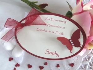 Gastgeschenk/Tischkarte zur Hochzeit/befüllt mit 5 Mandeln im Organzasäckchen - Handarbeit kaufen