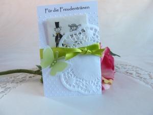 Freudentränen-Taschentuch mit Hülle für die Hochzeit - Handarbeit kaufen