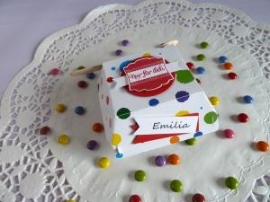 Hamburgerbox zur Einschulung / Tischkarte befüllt mit Süßigkeiten und Schokocreme