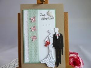 Edle Hochzeitskarte mit Brautpaar und Spitze, Taube, Perlen und Blüten  - Handarbeit kaufen
