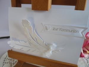 Edle Karte in weiß mit Federn zur Kommunion oder Konfirmation - Handarbeit kaufen
