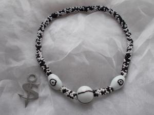 Halskette  Perlenkette Glasperlen Rocailles ♥ Big Eye schwarz weiß Lagenlook - Handarbeit kaufen