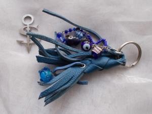 Schlüsselanhänger Schmuckanhänger Schlüsselring echt Leder ♥ Pretty Pearls blau - Handarbeit kaufen
