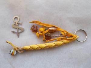 Schlüsselanhänger Schmuckanhänger Schlüsselring echt Leder ♥ Pretty Pearls gelb