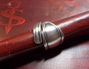 Besteckschmuck Ring ♥ Chippendale Ring aus einem Löffel Größe 54 Stielende