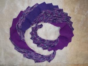 DRACHENSCHWANZ Schal  ♥ wunderschöner Strickschal *Drachenschwanz violett* Handarbeit Unikat gestrickt