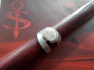 Besteckschmuck Ring ♥ Ring  aus einer Kuchen-Gabel Operculum Größe 57 - Handarbeit kaufen