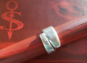 Besteckschmuck Ring ♥  Points Ring aus einem Löffel Größe 56 - Handarbeit kaufen