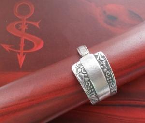 Besteckschmuck Ring ♥  Flora-Rand Ring  aus einem Löffel Größe 64 Stielende